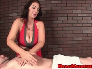 Adult masseuse demolishing will not hear of custom clamber up