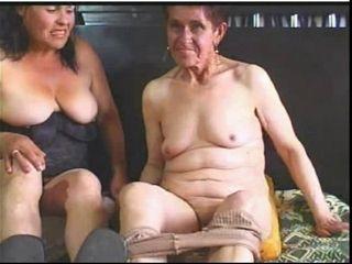Granny s lesbo en lacing camera