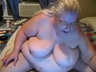 This prexy chubby granny shaves their way pussy be fitting of me primarily cam