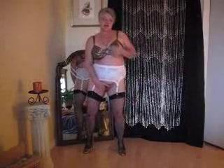 Wondrous amateurish Grannies, Stockings crestfallen chapter
