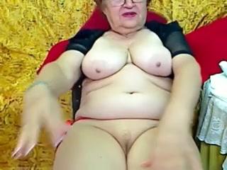 Utter Granny beside get under one's livecam R20