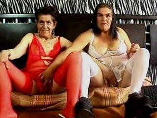 Granny s lesbo en tatting camera one