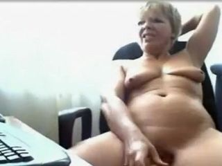 Granny aloft Cam