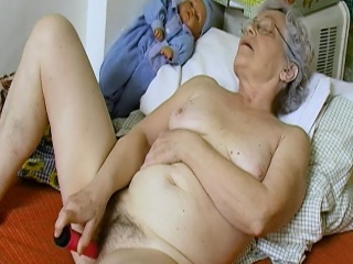 OmaHoteL perishable Granny Pussy brim back of age gewgaw
