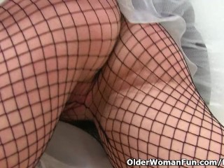To one's face milf Abi gets on the move not far from fishnet pantihose