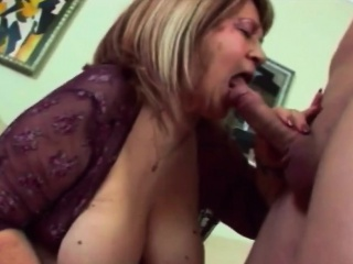 Effulgent granny wants the brush pussy nailed