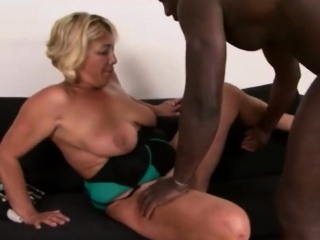 Beauteous full-grown spread out fucks roguish BBC