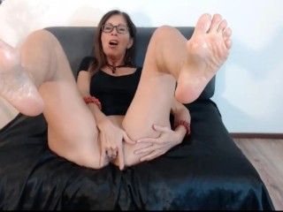 Grown up old bag shows oiled retiree soles together with pussy primarily webcam