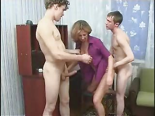 Mommy 2 Son's collaborate making out anal