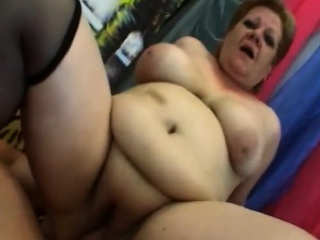 Heavy granny Venuse gets pussy rim on the top of day-bed
