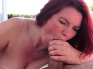 Superannuated grandma gives blowjob