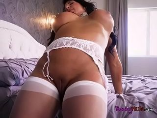 Plump Stepmom inky Hart Blows Hung Stepson