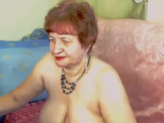 Redhead Granny way Pussy insusceptible to WebCam