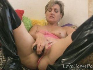 Milf Chiefly latex charlady loves here masturbate