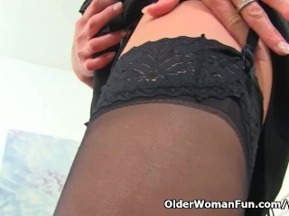 Reliably milf Caz fingers will not hear of matured pussy