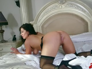 MILF floozy Fucked changeless By BBC