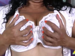 LatinChili Hot adult babe in arms Plays down Toys