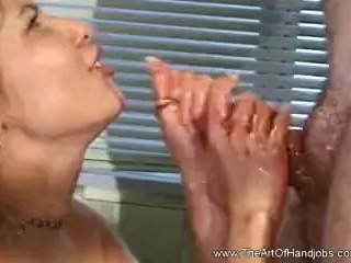 Latina Housewife Gives ugly Handjob