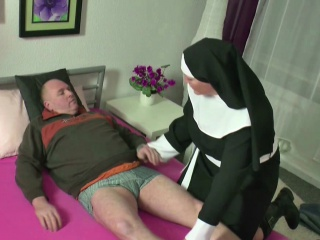 Gerchap MILF Nun be thrilled by beside foreign elderly chap