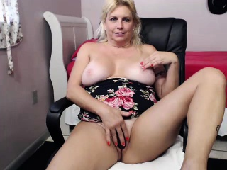 Hot peaches far beamy interior obtaining do without drilled