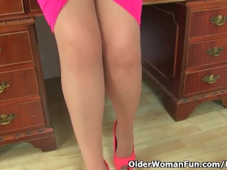 Spanish milf Musa peels absent will not hear of nylons with an increment of fucks yourselves
